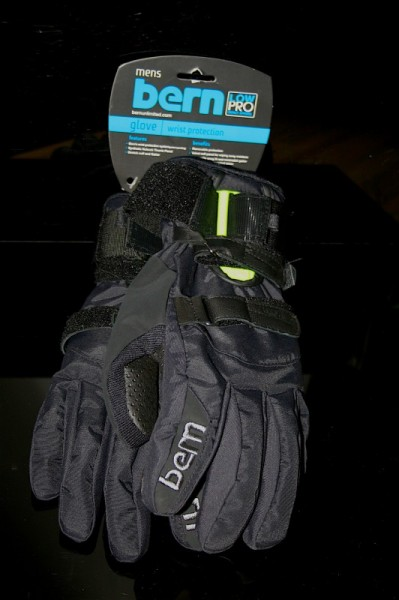 Bern Black Synthetic Gloves with removable Wrist Guard